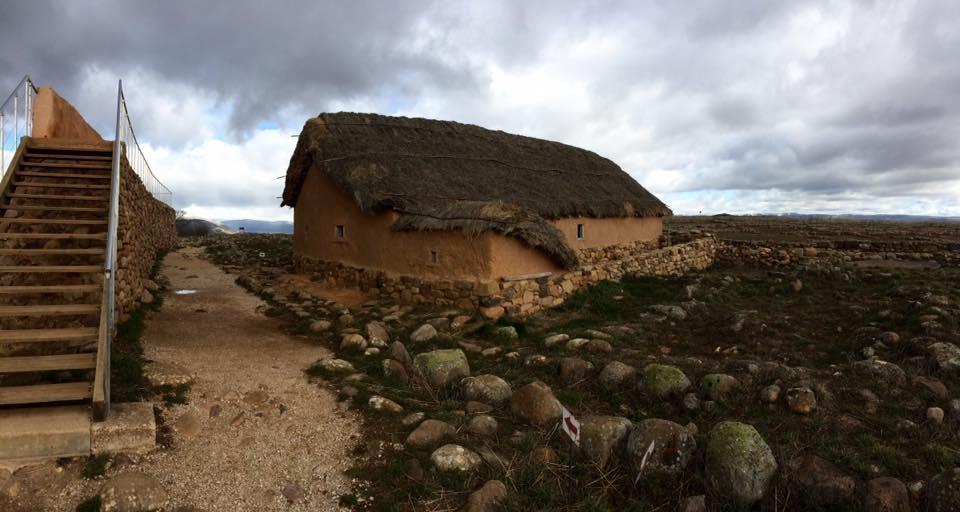 reconstrucción Casa celtibérica de Numancia